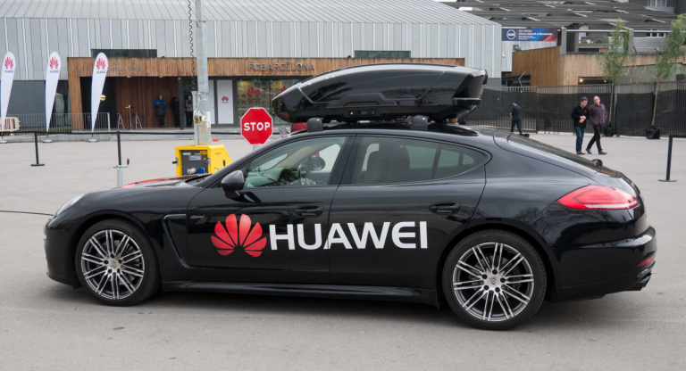 Huawei Mate 10 Pro Powers Self-Driving Car at MWC 2018