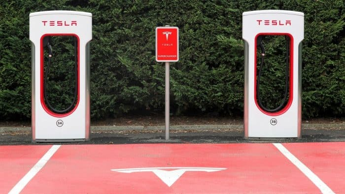 Tesla V2 Charging Stall Pairs